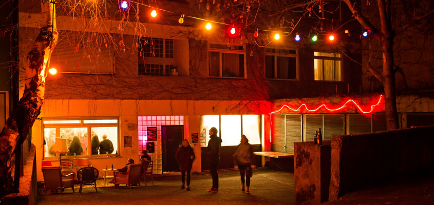 Die Stuttgarter Ateliers im Westen mit stimmungsvollem Hinterhof